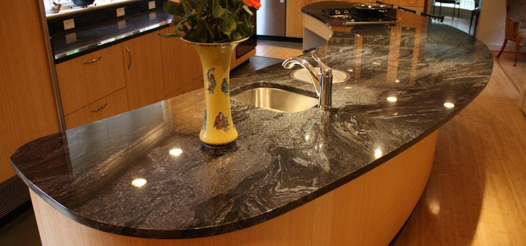 Kitchen in Blue Brass Granite_1