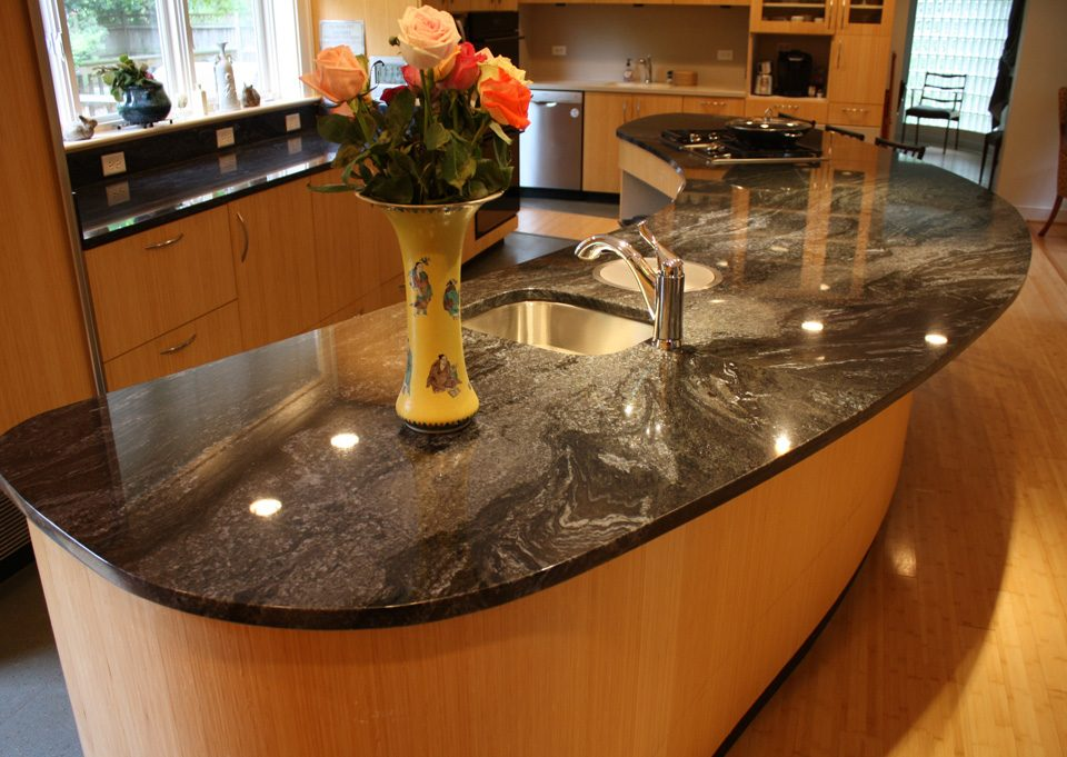 Kitchen in Blue Brass Granite_1